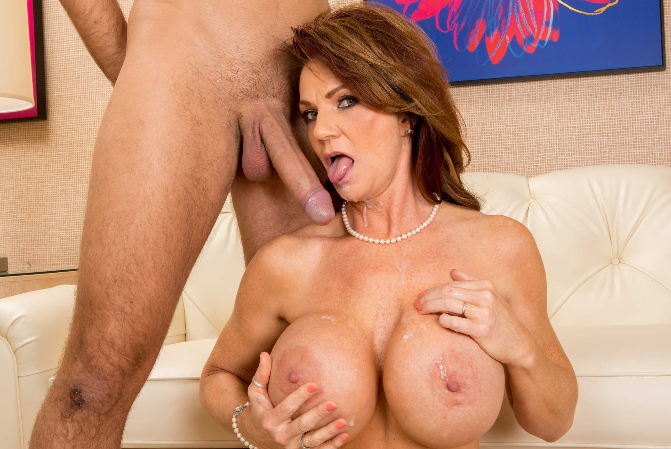 Deauxma pictures and pics